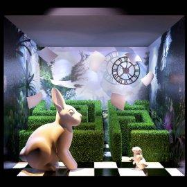 爱丽丝主题兔子迷宫橱窗